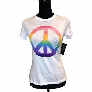 NWT Chaser cotton shortsleeve graphic peace Tshirt
